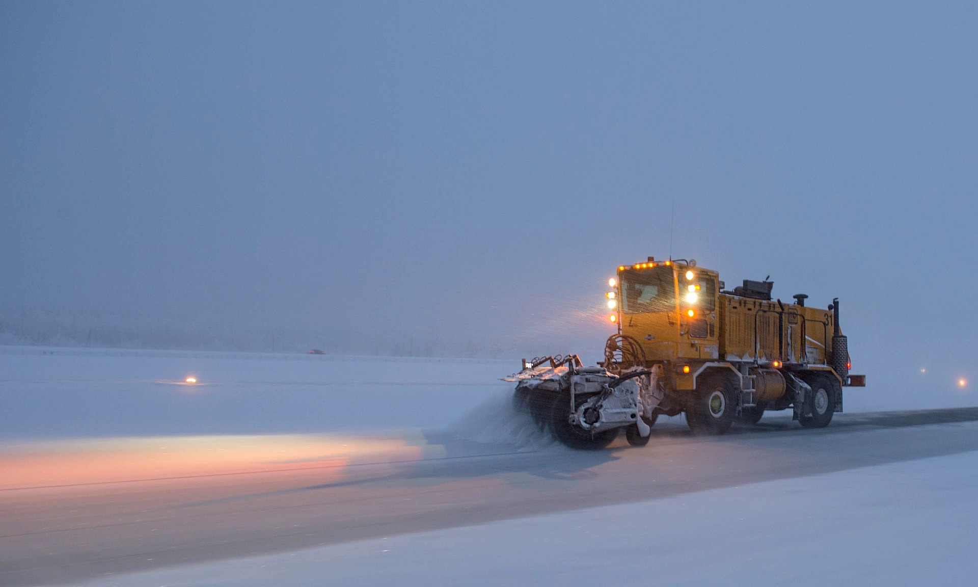 snowplow-1168280_1920